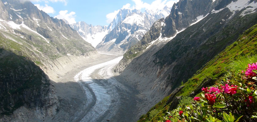 france_chamonix_summer-mountains-valley.jpg